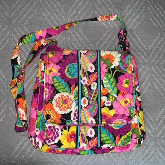 Vera Bradley Handbags - Vera Bradley crossbody